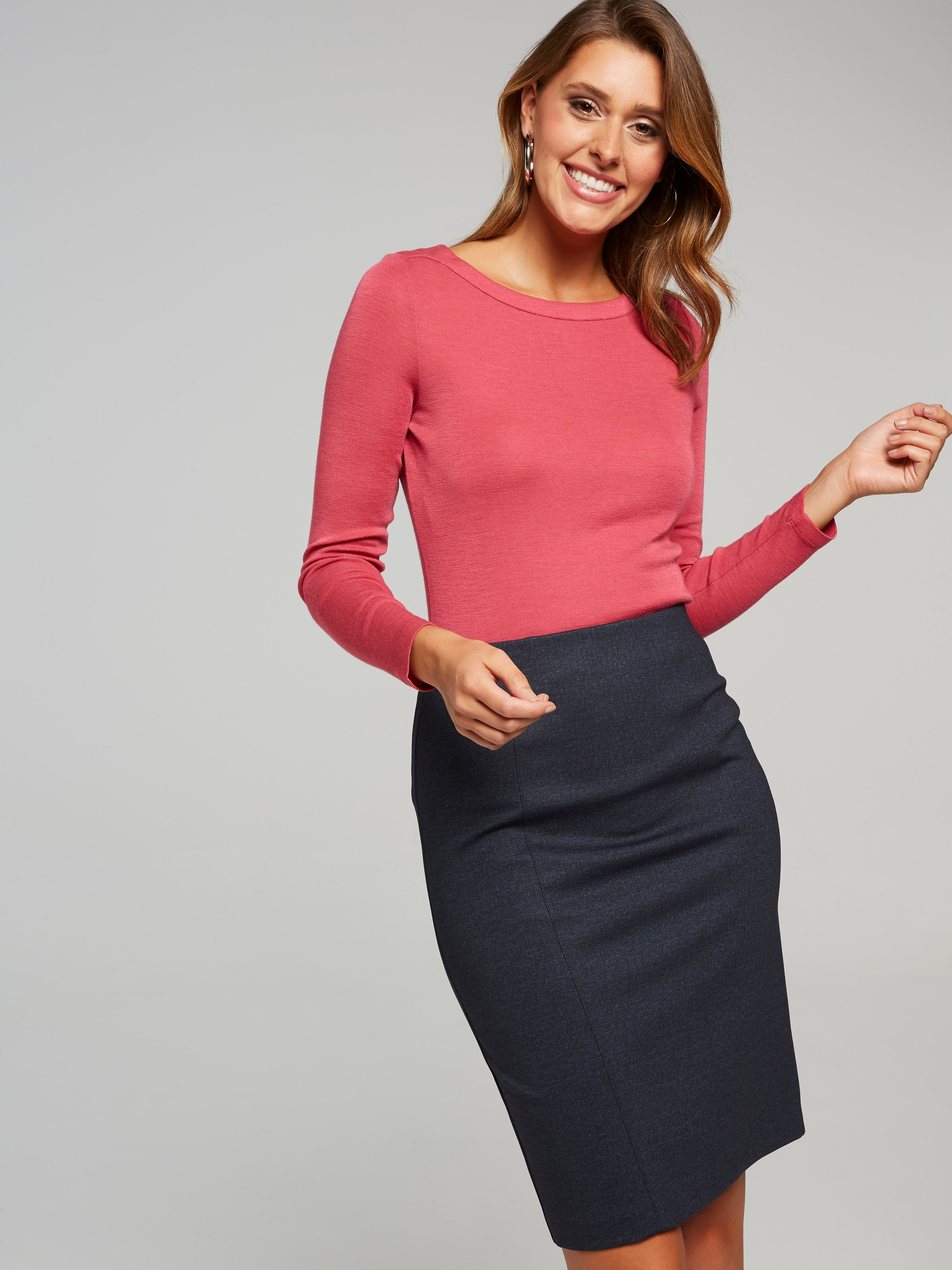 Part Of Our Core Ponte Range, The Ponte Pencil Skirt In This New Indigo Colour Way, Features A Slim Pencil Silhouette, With A Beautiful Soft Hand Feel Fabrication And A Pull On Elastic Waist For Extra Comfort. This Is A Staple Piece For All Wardrobes.(Printed Indigo, 6)