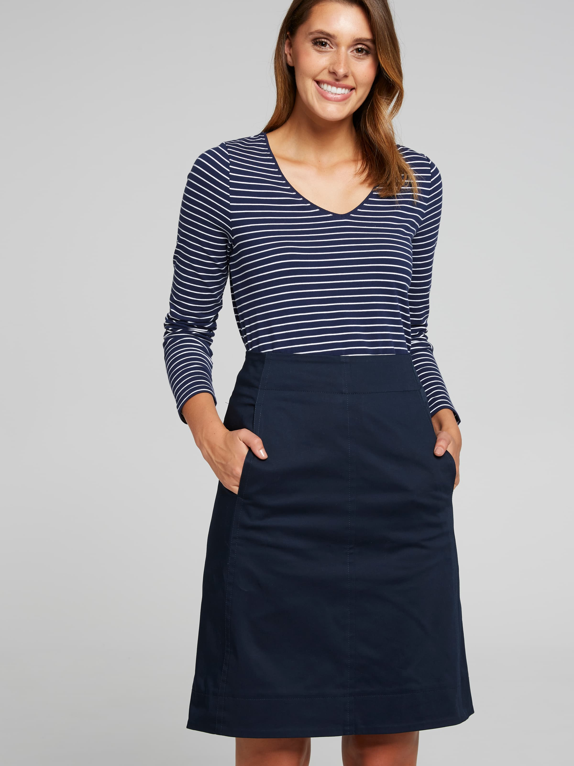 Finish off your weekend look with our Farrah Gored A-Line Midi Skirt. Featuring a-line midi length, all-over beautiful Cotton/Lycra fabrication for comfort and a flattering fit, to suit every body-shape.(Italian Navy, 14)