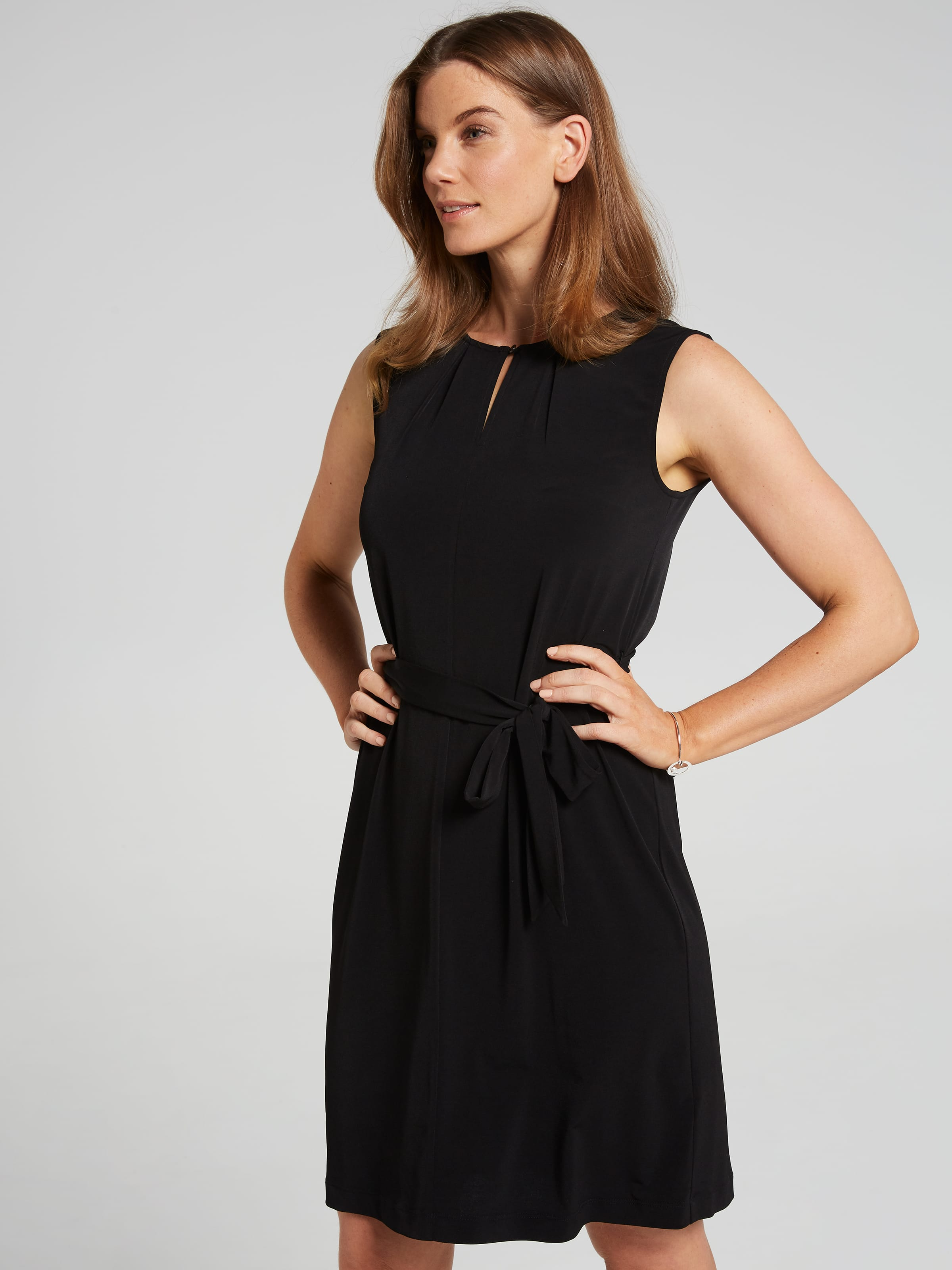Image of Jacqui E Australia Jacqui E Sleeveless Lorie Notch Neck Tunic