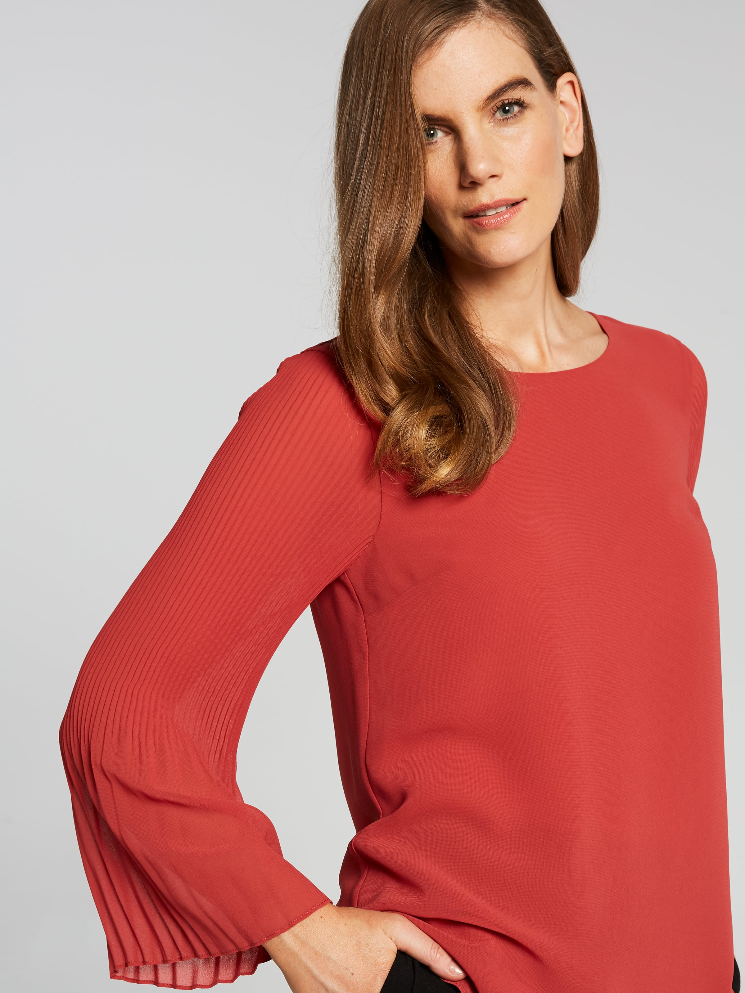 Britta Pleat Sleeve Solid Blouse